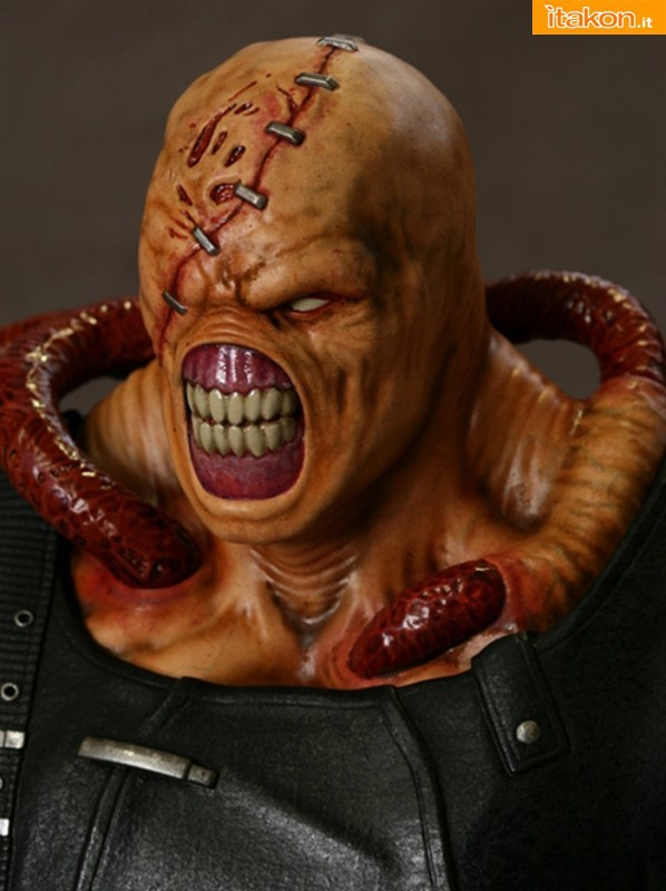 Hollywood Collectibles: Resident Evil: Nemesis Statue - in preordine