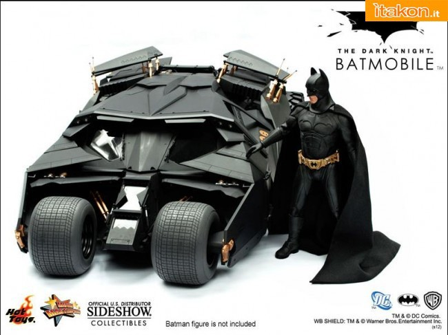 Hot-Toys-Batman-Tumbler