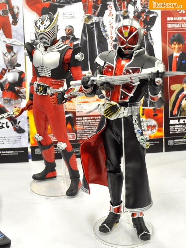 RAH Kamen Rider Ryuuki 1/6 - Maggio 2013