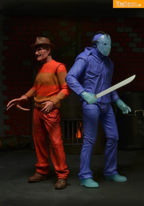 [NECA] A Nightmare On Elm Street: Freddy Krueger NES version  Freddy-Krueger-NES-Version-004-558x800