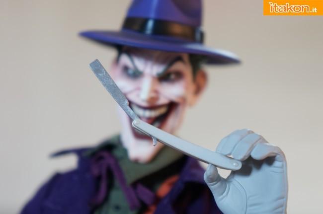 [Sideshow] DC Comics: Joker 1/6 scale - LANÇADO!!! - Página 4 The-Joker-16-scale-figure-di-Sideshow-12-650x431