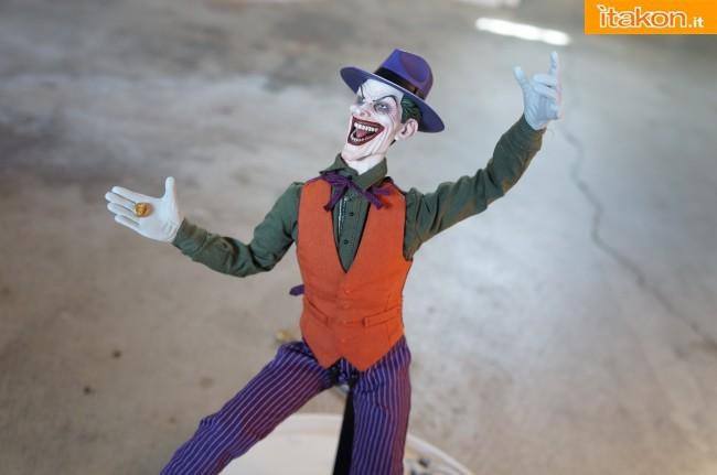 [Sideshow] DC Comics: Joker 1/6 scale - LANÇADO!!! - Página 4 The-Joker-16-scale-figure-di-Sideshow-17-650x431