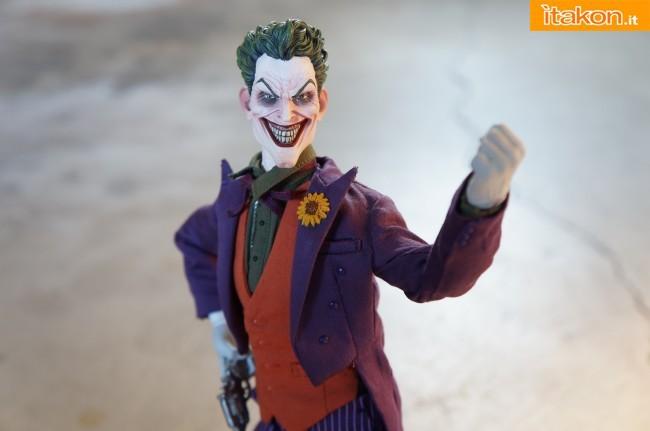 [Sideshow] DC Comics: Joker 1/6 scale - LANÇADO!!! - Página 4 The-Joker-16-scale-figure-di-Sideshow-22-650x431
