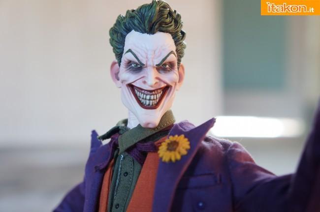 [Sideshow] DC Comics: Joker 1/6 scale - LANÇADO!!! - Página 4 The-Joker-16-scale-figure-di-Sideshow-24-650x431