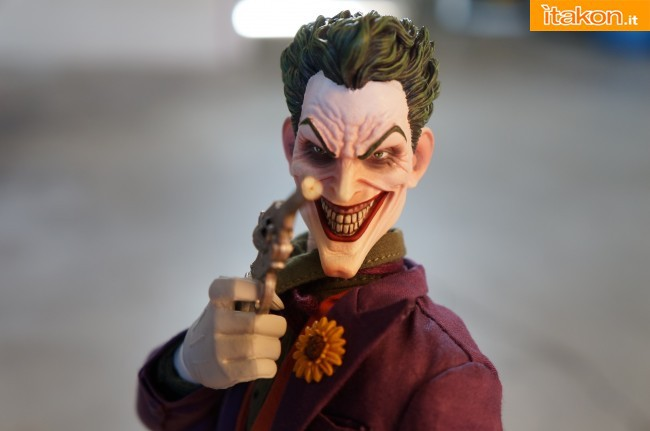 [Sideshow] DC Comics: Joker 1/6 scale - LANÇADO!!! - Página 4 The-Joker-16-scale-figure-di-Sideshow-25-650x431