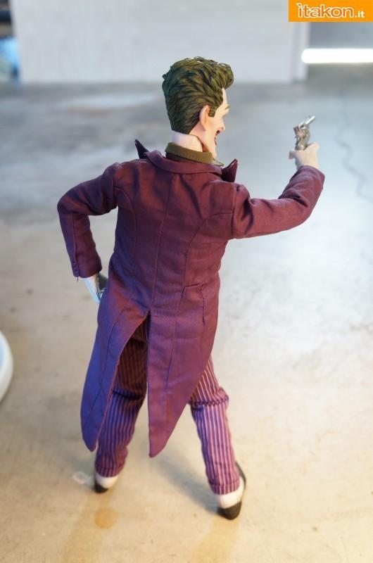 [Sideshow] DC Comics: Joker 1/6 scale - LANÇADO!!! - Página 4 The-Joker-16-scale-figure-di-Sideshow-26-530x800