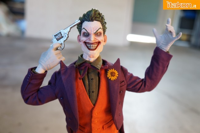[Sideshow] DC Comics: Joker 1/6 scale - LANÇADO!!! - Página 4 The-Joker-16-scale-figure-di-Sideshow-28-650x431
