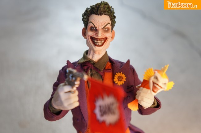 [Sideshow] DC Comics: Joker 1/6 scale - LANÇADO!!! - Página 4 The-Joker-16-scale-figure-di-Sideshow-30-650x431