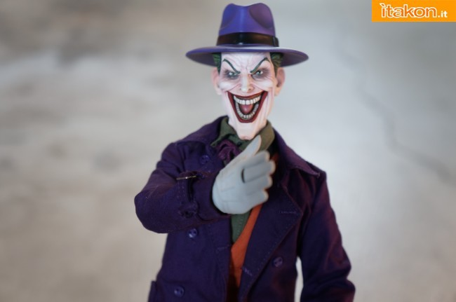 [Sideshow] DC Comics: Joker 1/6 scale - LANÇADO!!! - Página 4 The-Joker-16-scale-figure-di-Sideshow-8-650x431