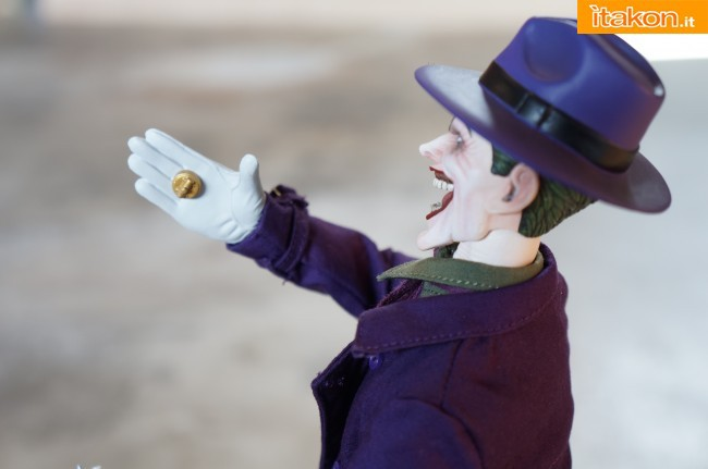 [Sideshow] DC Comics: Joker 1/6 scale - LANÇADO!!! - Página 4 The-Joker-16-scale-figure-di-Sideshow-9-650x431