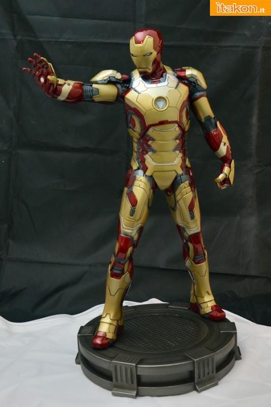 Premium Collectibles : Thanos  A1-533x800