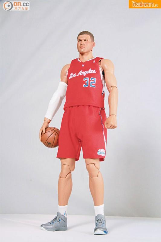 [Enterbay] NBA Real Masterpiece: Blake Griffin (Los Angeles Clippers) Enterbay-Blake-Griffin-16-Real-Masterpiece-10-533x800