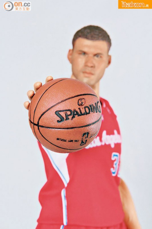 [Enterbay] NBA Real Masterpiece: Blake Griffin (Los Angeles Clippers) Enterbay-Blake-Griffin-16-Real-Masterpiece-14-533x800