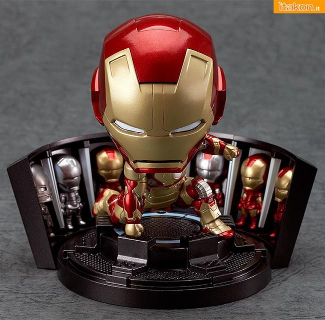 [Calendário de Lançamentos][Tópico Oficial] Figuras Japonesas - Janeiro 2013 - Página 2 12-gsc-Nendoroid-Iron-Man-Mark-42-Heros-Edition-+-Hall-of-Armor-Set-650x641