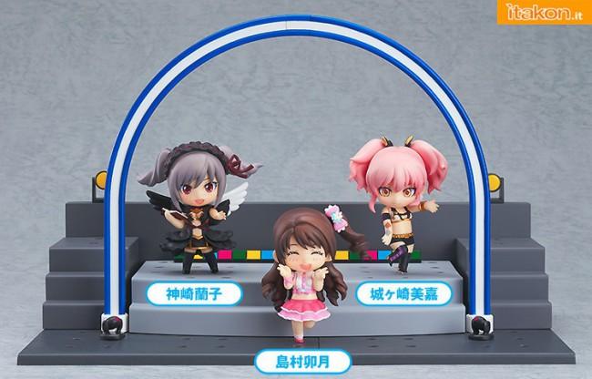 [Calendário de Lançamentos][Tópico Oficial] Figuras Japonesas - Janeiro 2013 28-Nendoroid-Petite-IDOLM@STER-Cinderella-Girls-Ranko-Uzuki-and-Mika-+-Live-Stage-Set-gsc-650x416