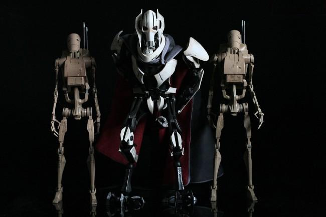 [SideShow] Star Wars: General Grievous 1/6th Scale Figure - Página 4 General-Grievous-1-650x433