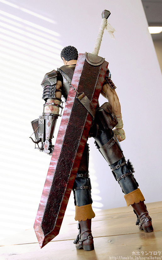 Link a Guts Black Swordsman – Berserk – ThreeZero gallery 02