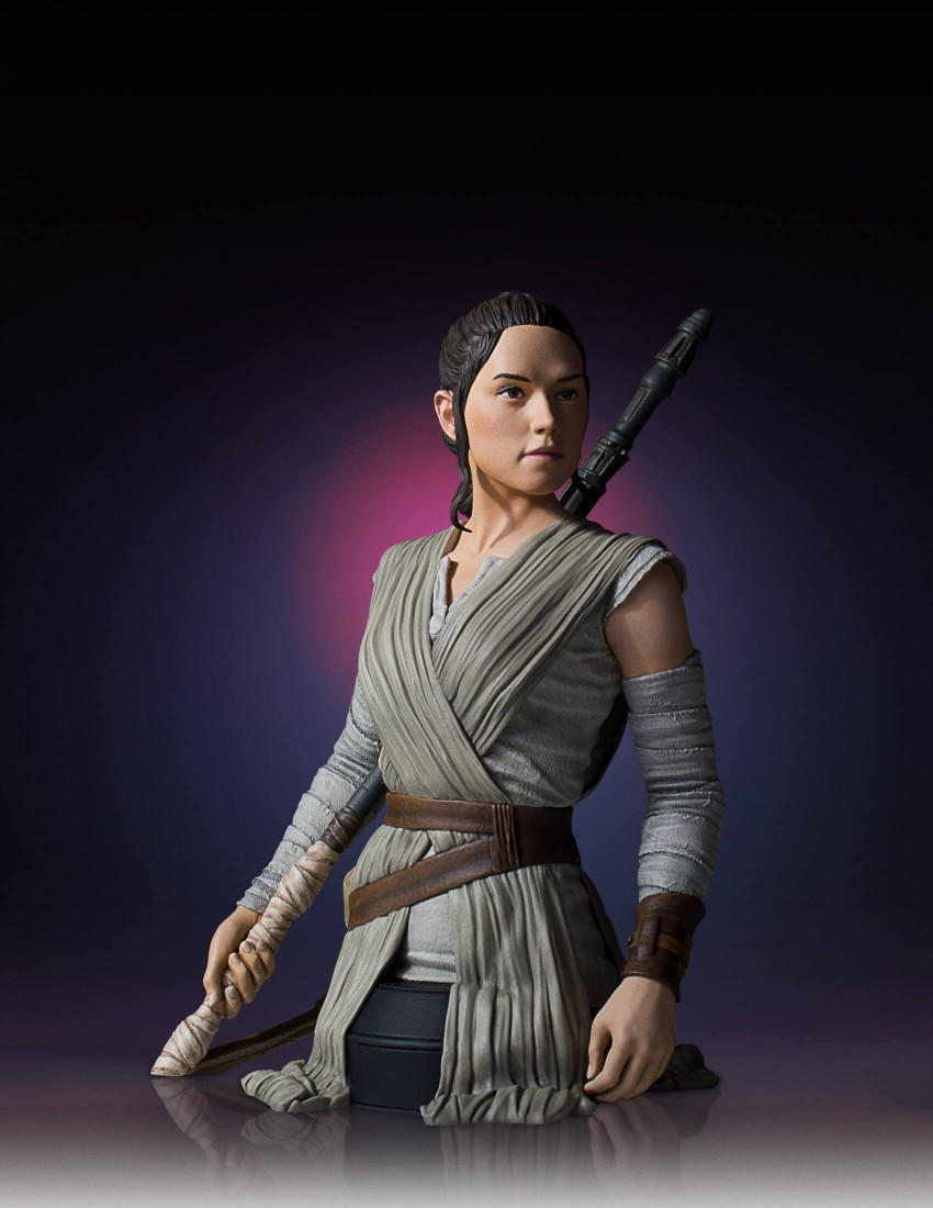 Link a Gentle-Giant-TFA-Rey-Bust-009
