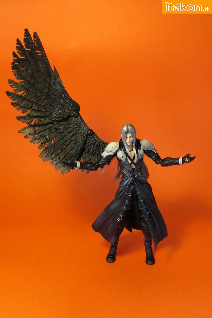 Link a recensione review sephiroth play arts kai da final fantasy vii advent children itakon.it -058