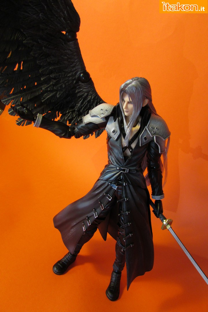 Link a recensione review sephiroth play arts kai da final fantasy vii advent children itakon.it -063