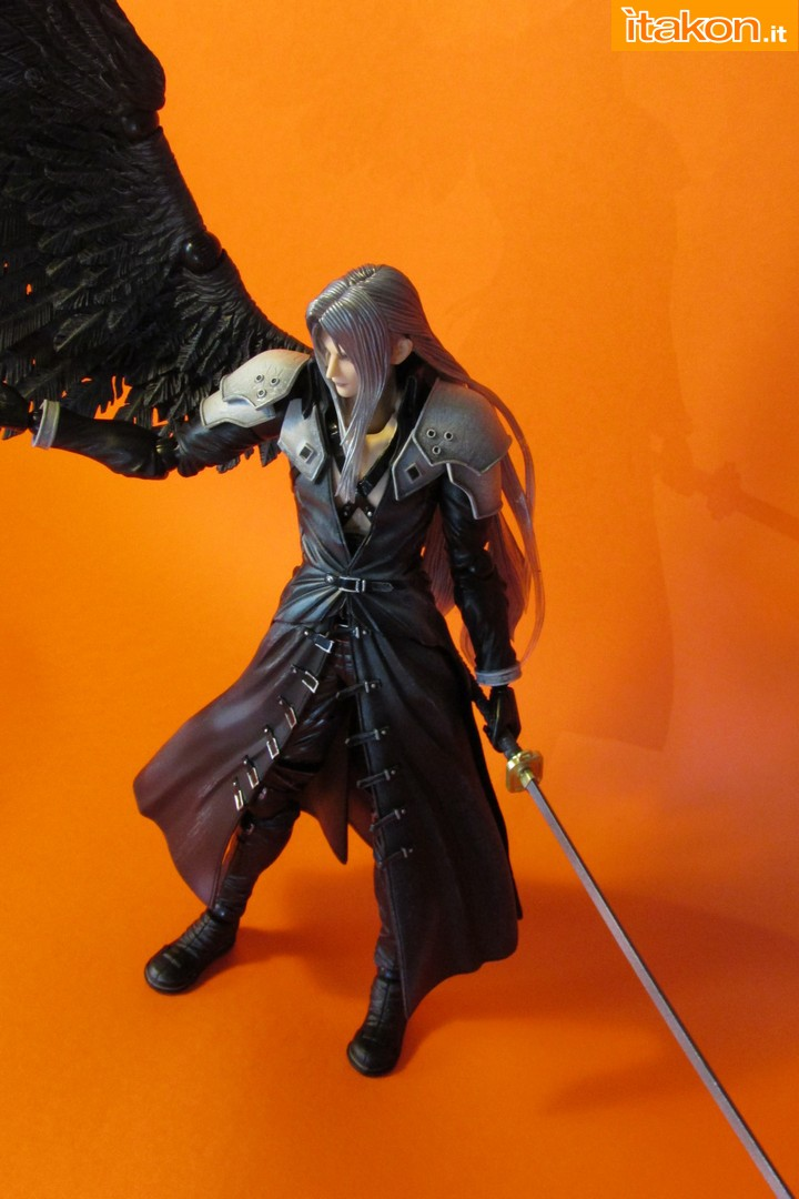 Link a recensione review sephiroth play arts kai da final fantasy vii advent children itakon.it -064