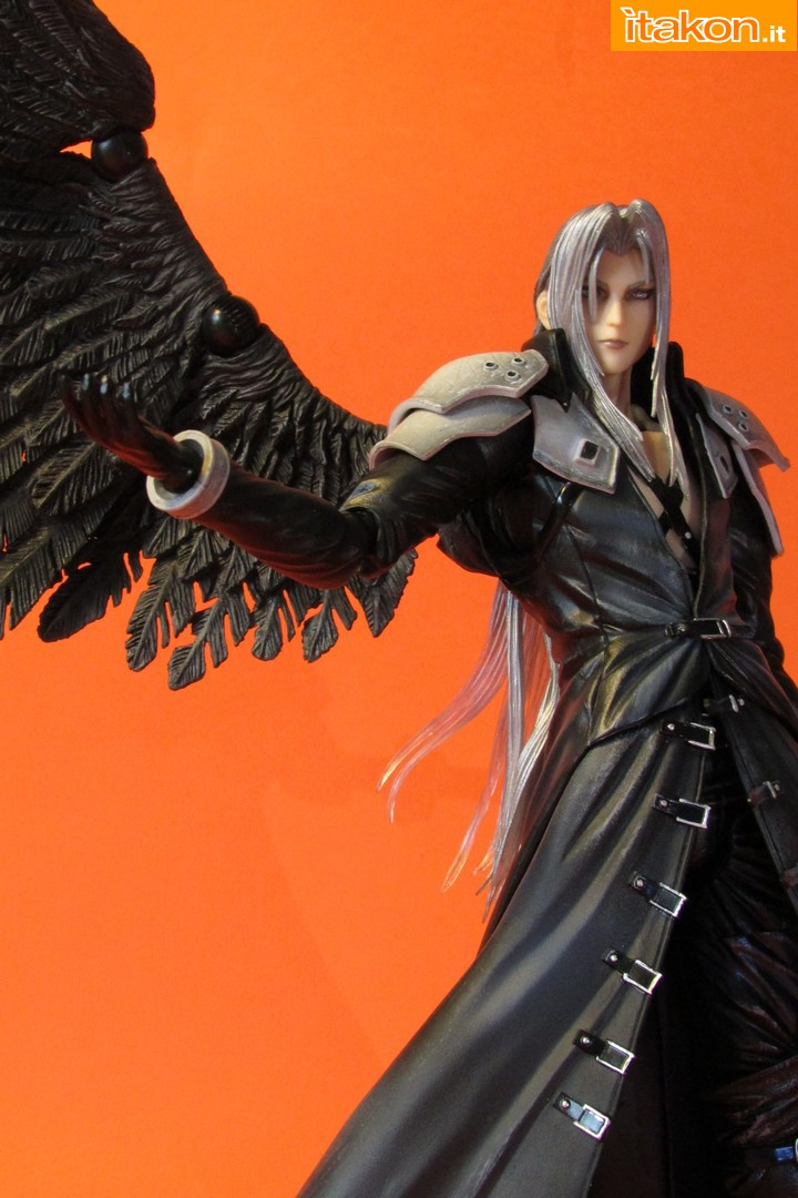 Link a recensione review sephiroth play arts kai da final fantasy vii advent children itakon.it -065