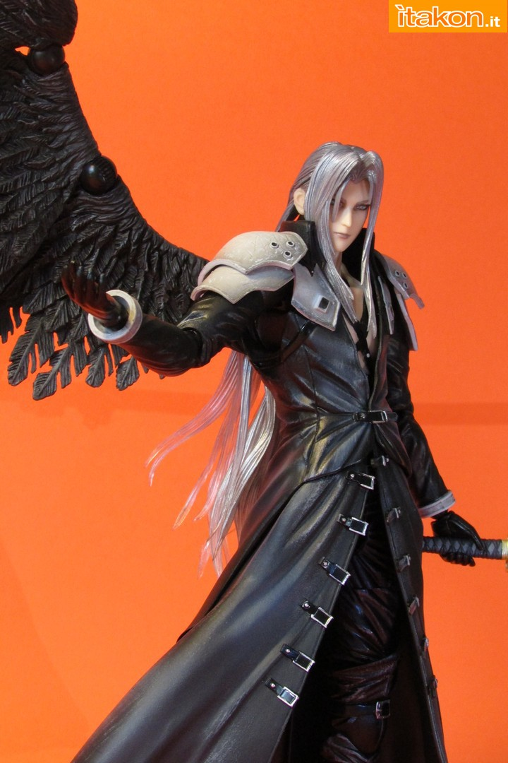 Link a recensione review sephiroth play arts kai da final fantasy vii advent children itakon.it -071