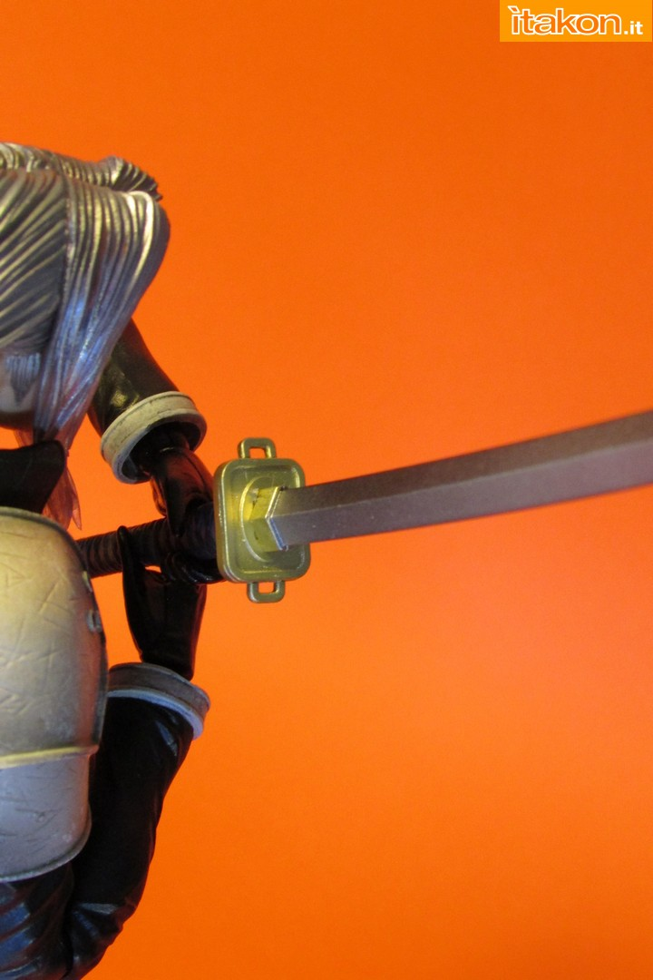 Link a recensione review sephiroth play arts kai da final fantasy vii advent children itakon.it -097