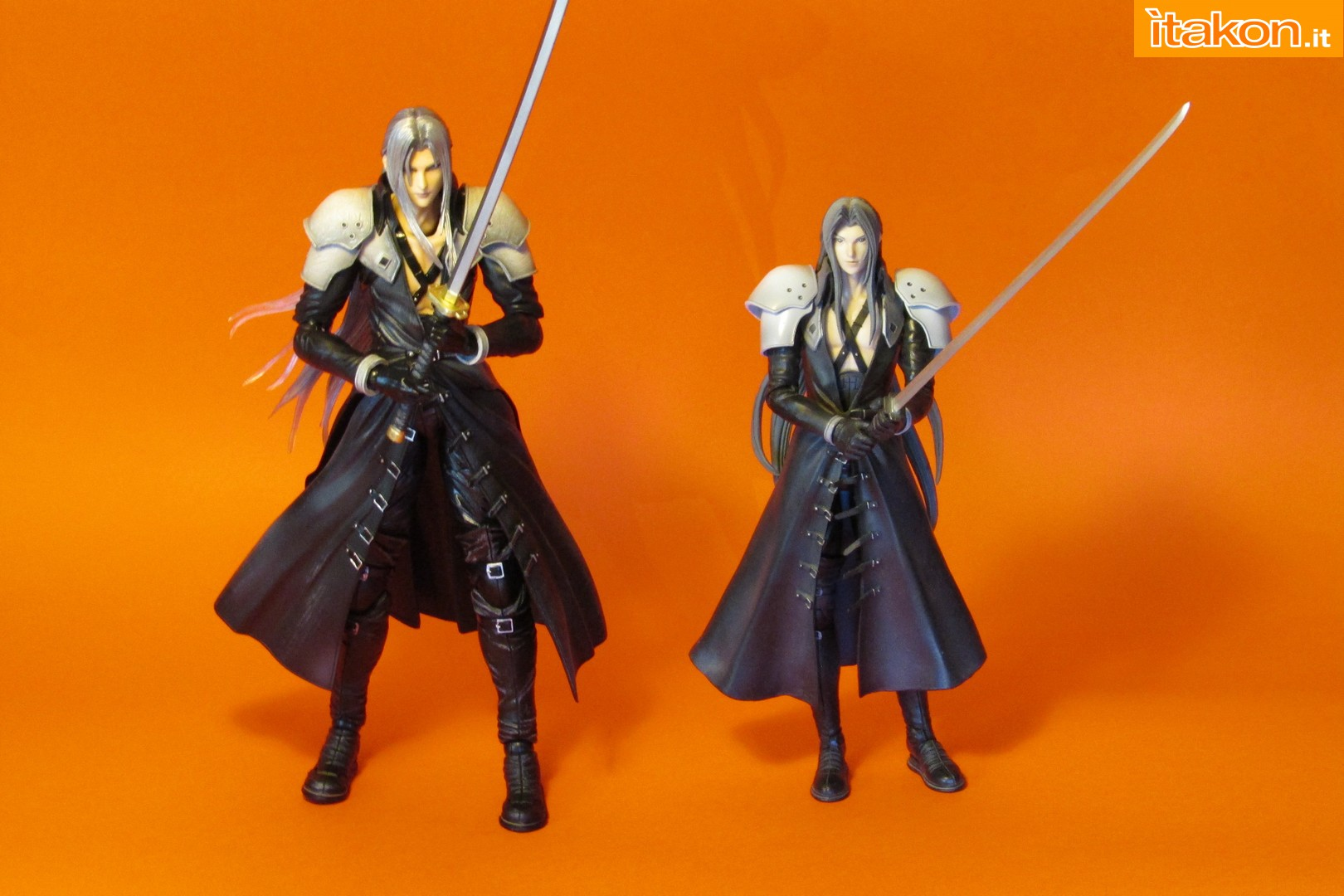 Link a recensione review sephiroth play arts kai da final fantasy vii advent children itakon.it -111
