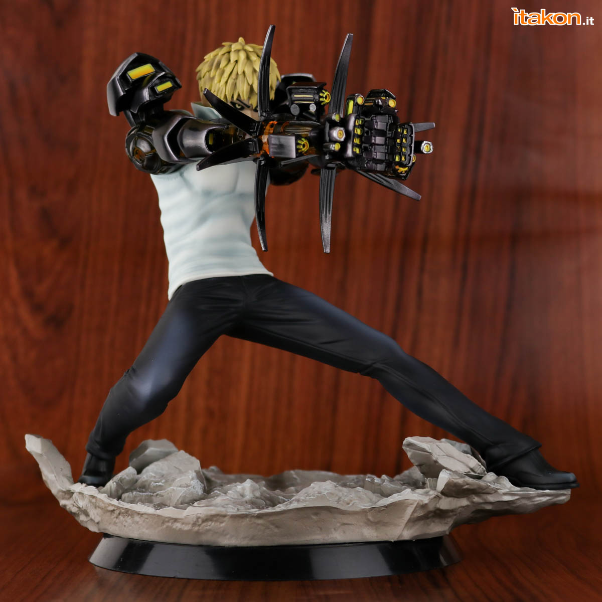 Link a Tsume_OPM_Genos_Xtra_Itakon_Review-18