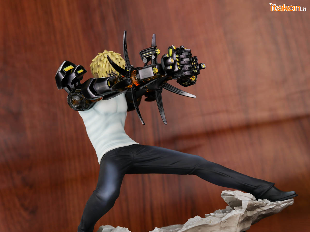 Link a Tsume_OPM_Genos_Xtra_Itakon_Review-44