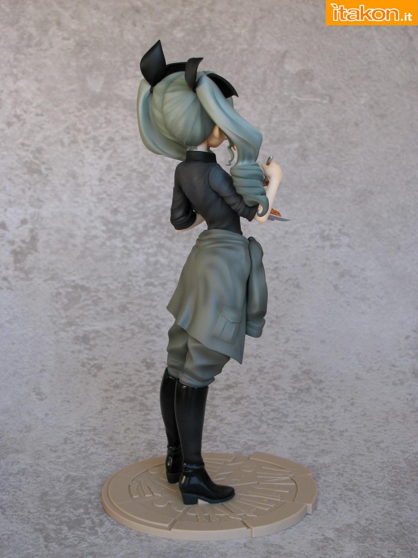 Link a 009 Anchovy Girls und Panzer Di Molto Bene recensione