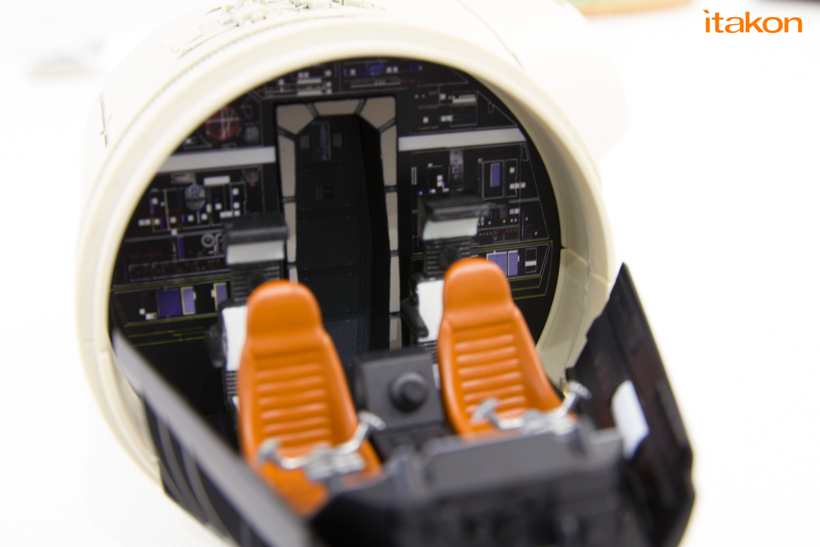 Link a De Agostini ModelSpace Millenniun Falcon Itakon Anktales-38