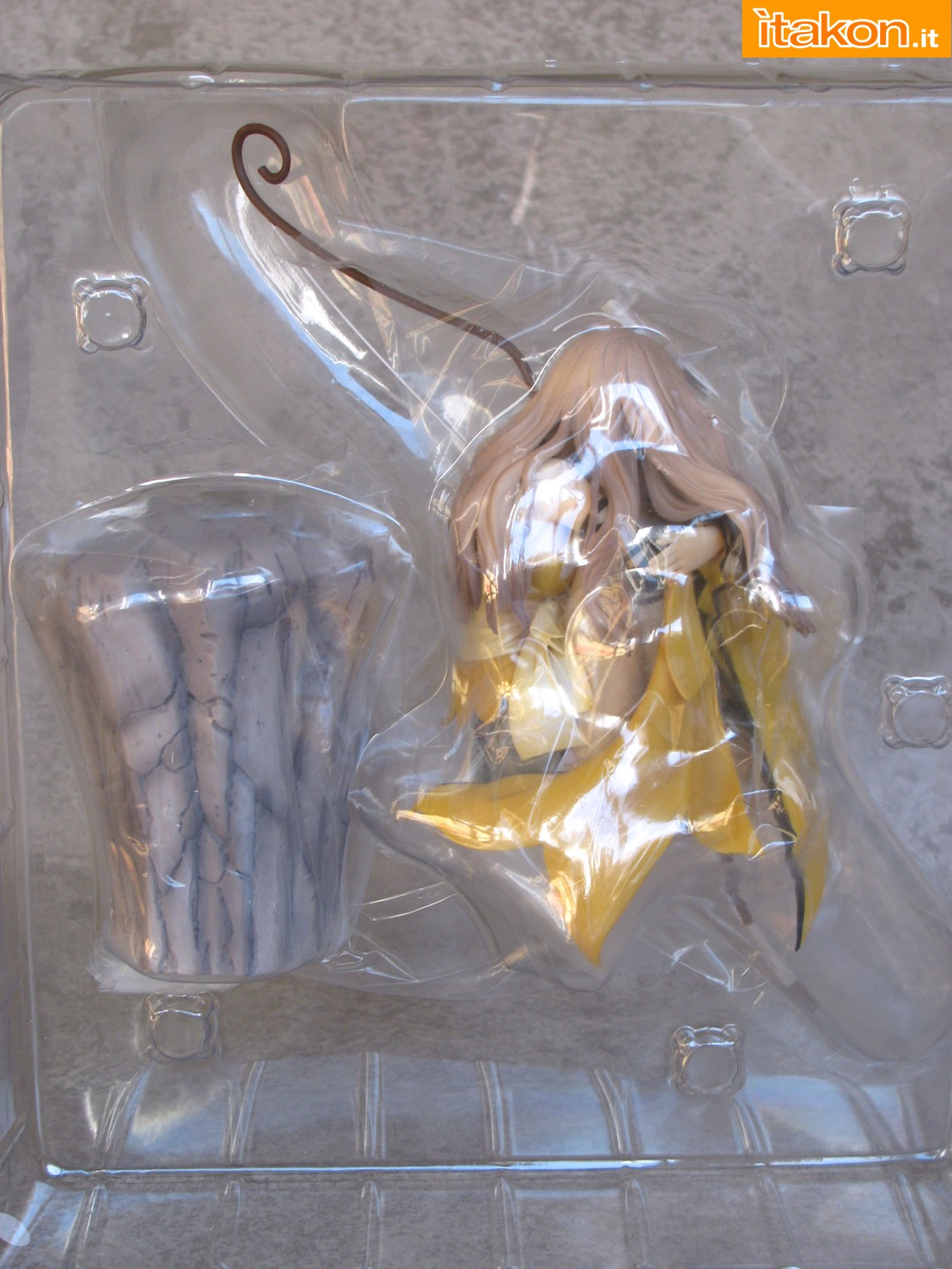 Link a 004 Kureha Shining Wind Orchid Seed Recensione