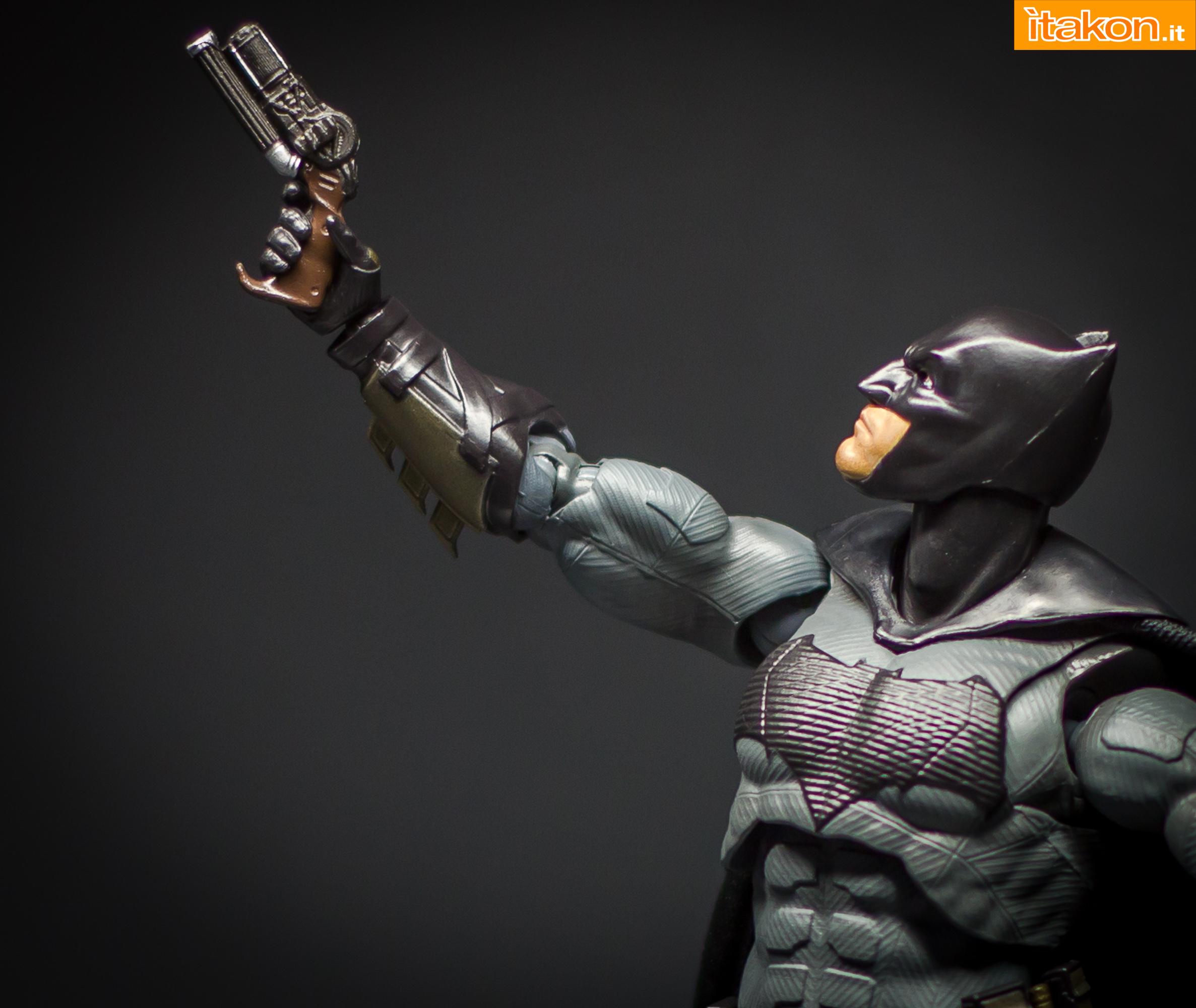 Link a Bandai S.H Figuarts Batman Justice League-43