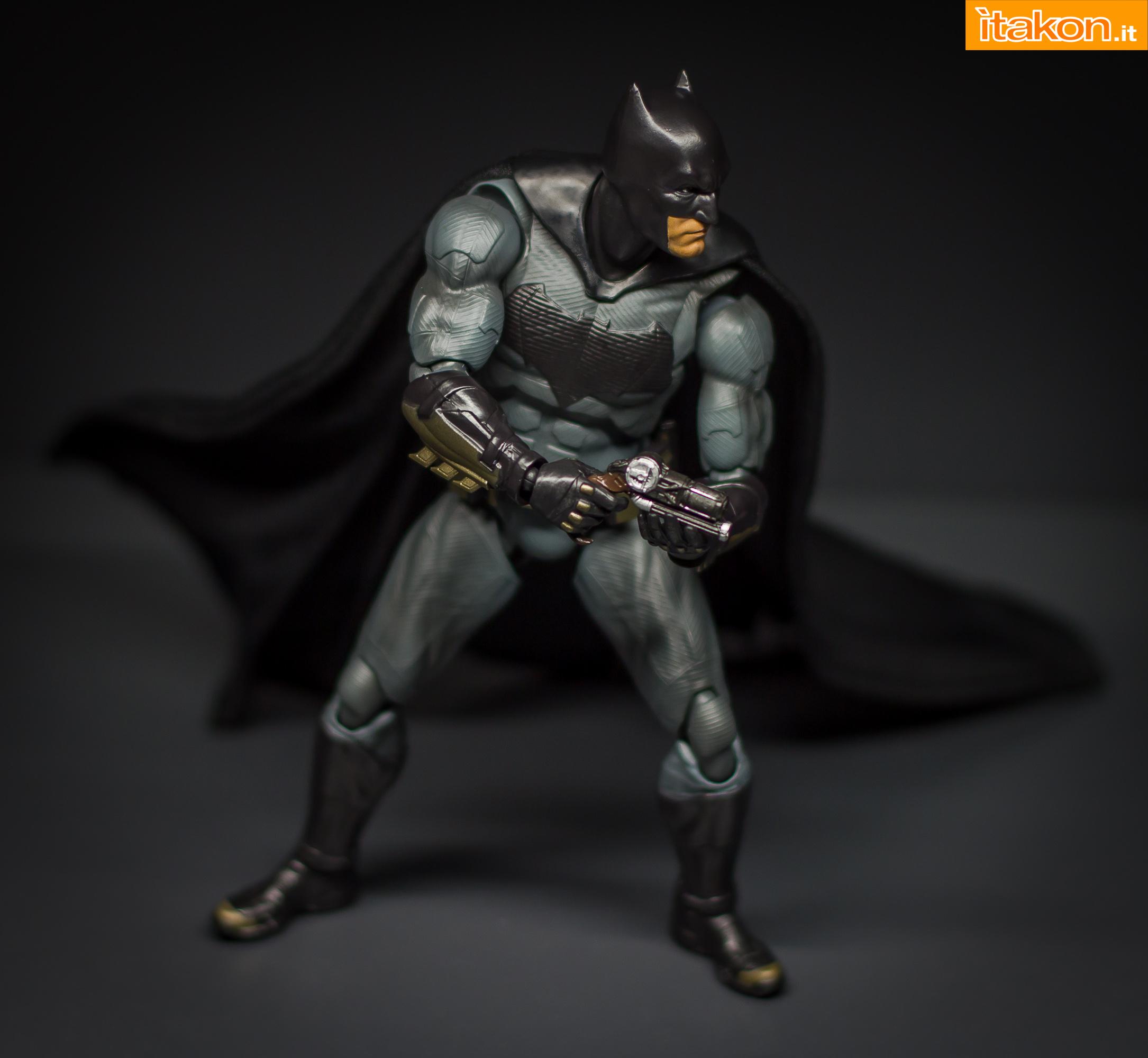 Link a Bandai S.H Figuarts Batman Justice League-49