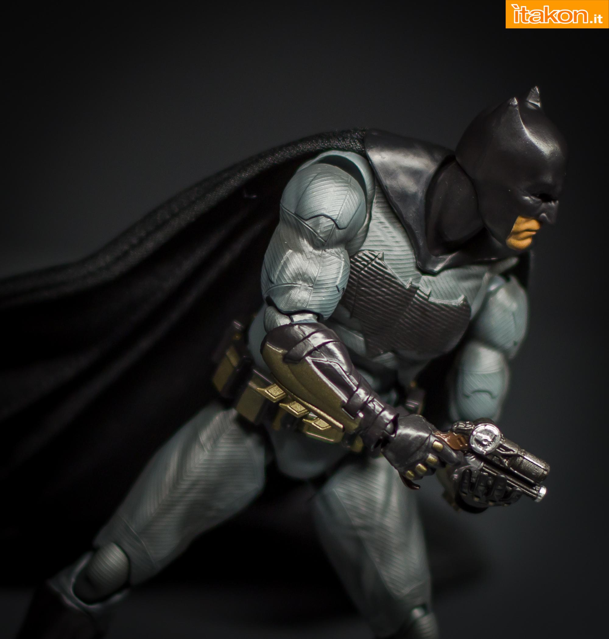 Link a Bandai S.H Figuarts Batman Justice League-50
