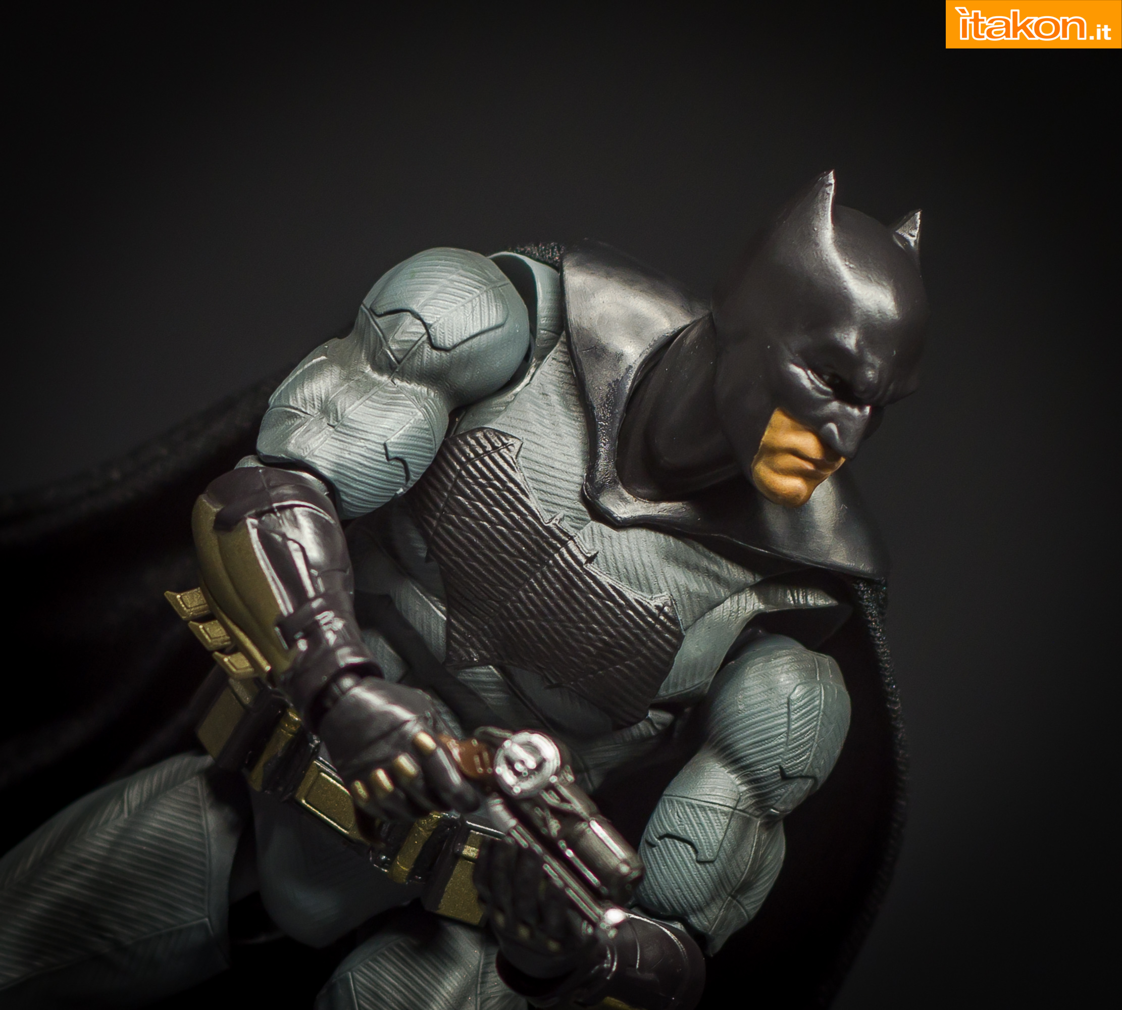 Link a Bandai S.H Figuarts Batman Justice League-51