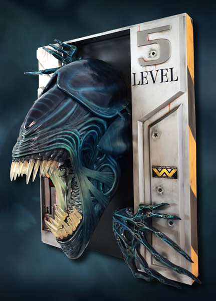 Link a HCG-Alien-Queen-Wall-Sculpture-005