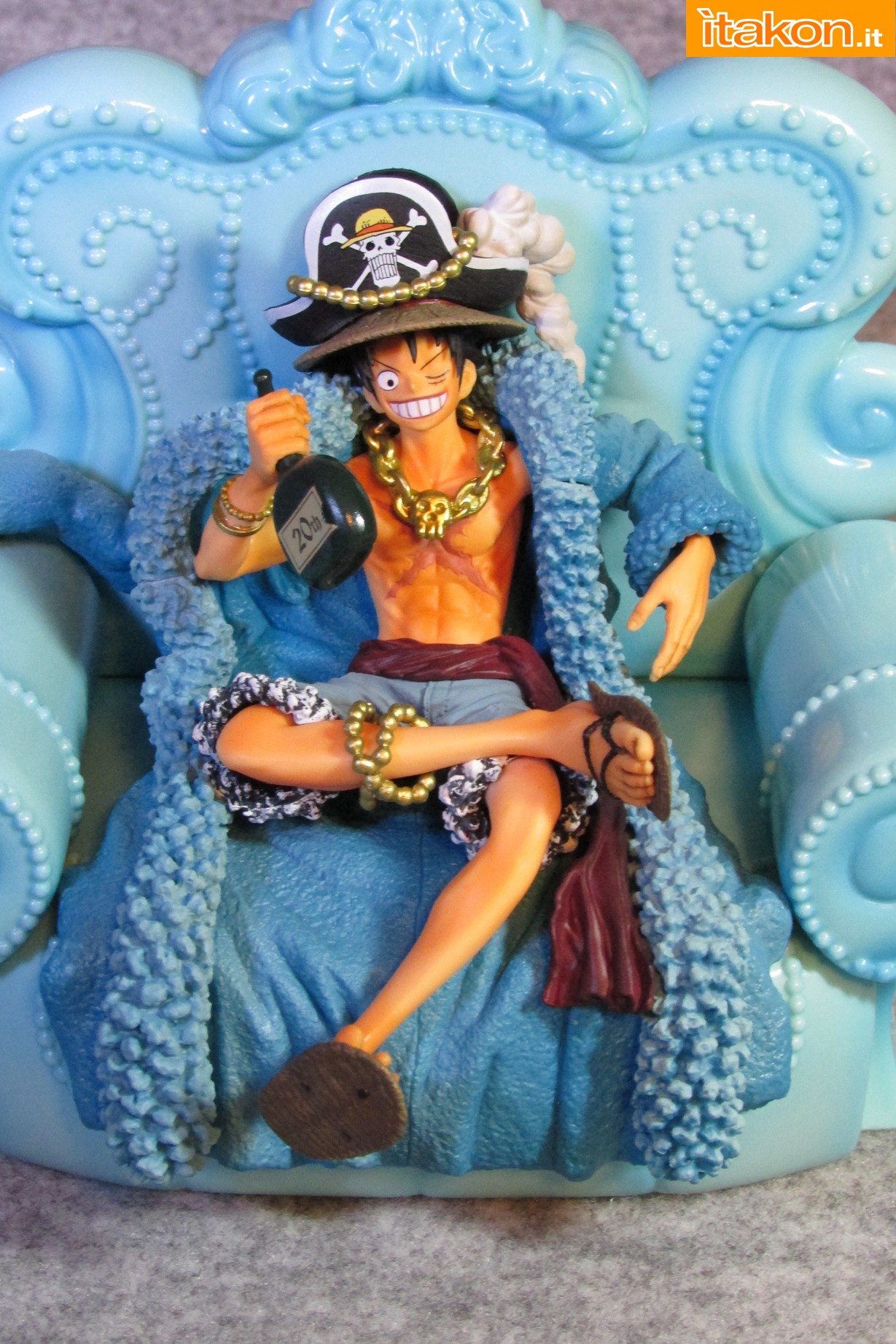 Link a Recensione Review Monkey D. Luffy One Piece 20th Anniversary ver. Figuarts ZERO di Bandai 11