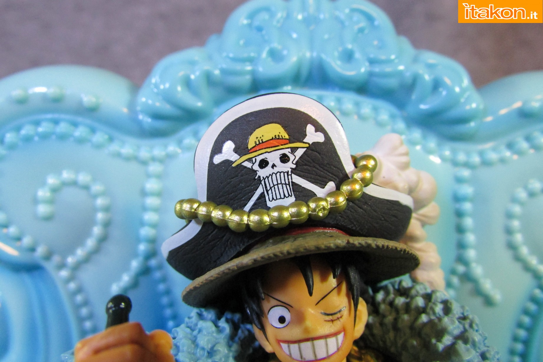 Link a Recensione Review Monkey D. Luffy One Piece 20th Anniversary ver. Figuarts ZERO di Bandai 15