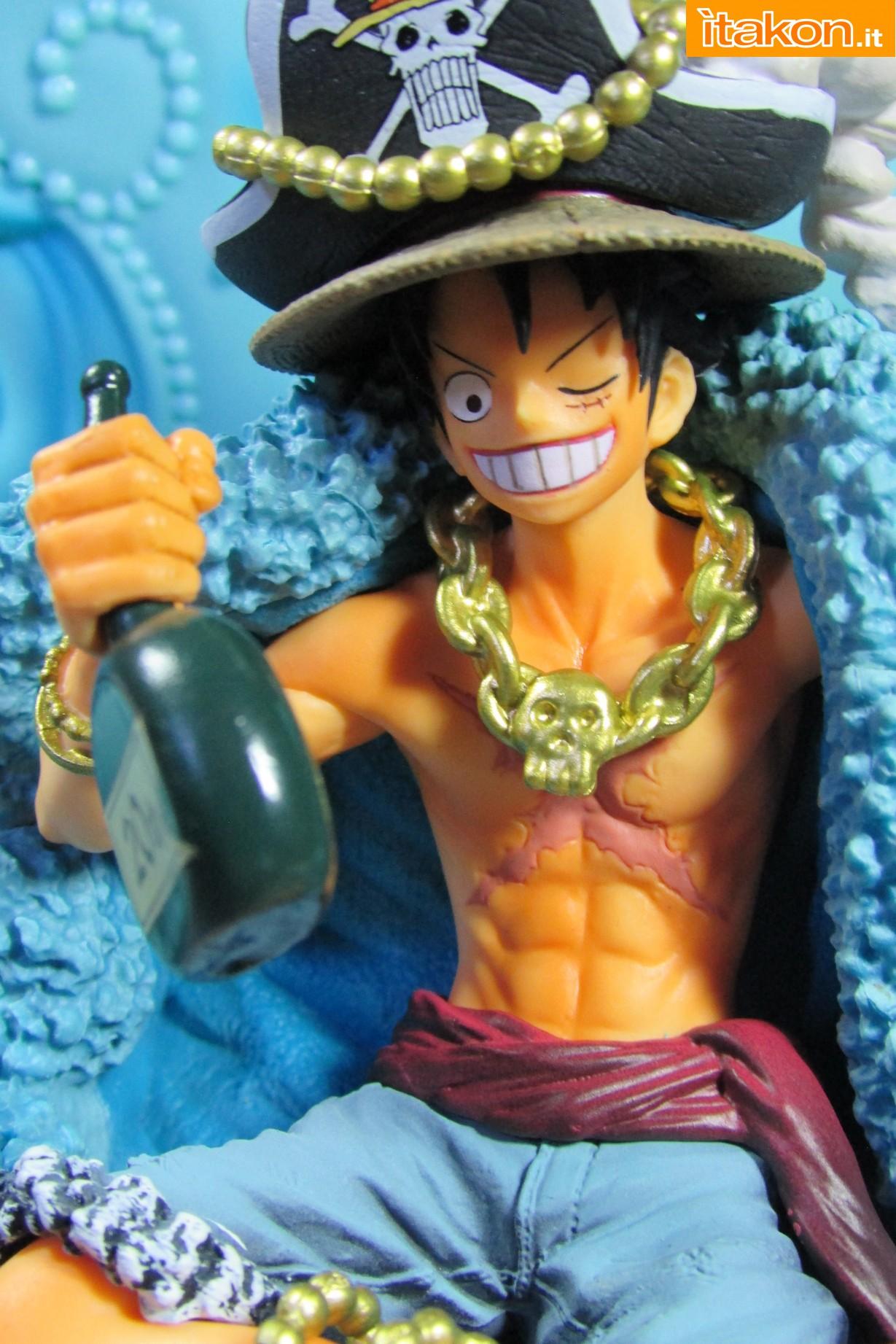 Link a Recensione Review Monkey D. Luffy One Piece 20th Anniversary ver. Figuarts ZERO di Bandai 31
