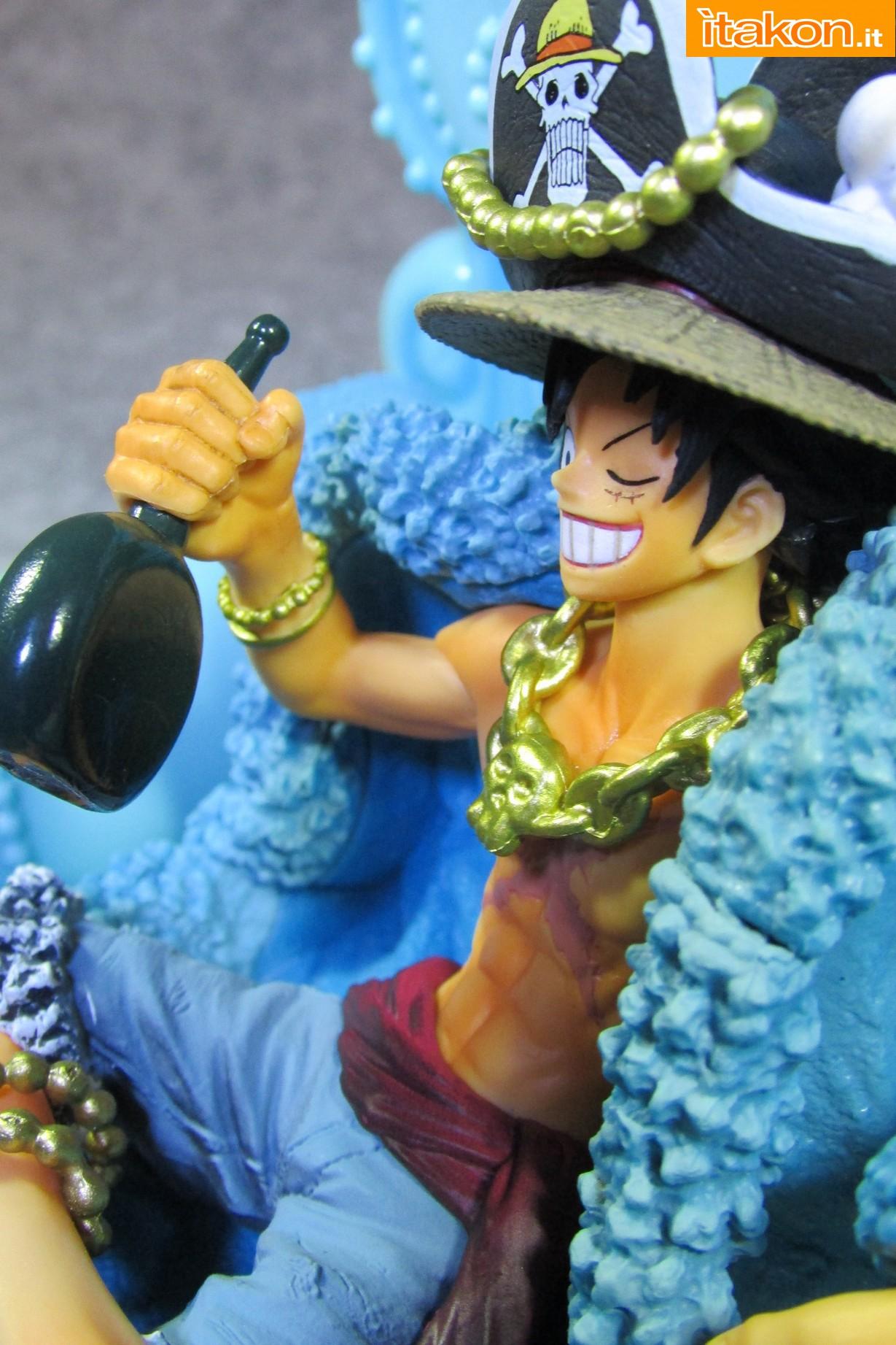 Link a Recensione Review Monkey D. Luffy One Piece 20th Anniversary ver. Figuarts ZERO di Bandai 47