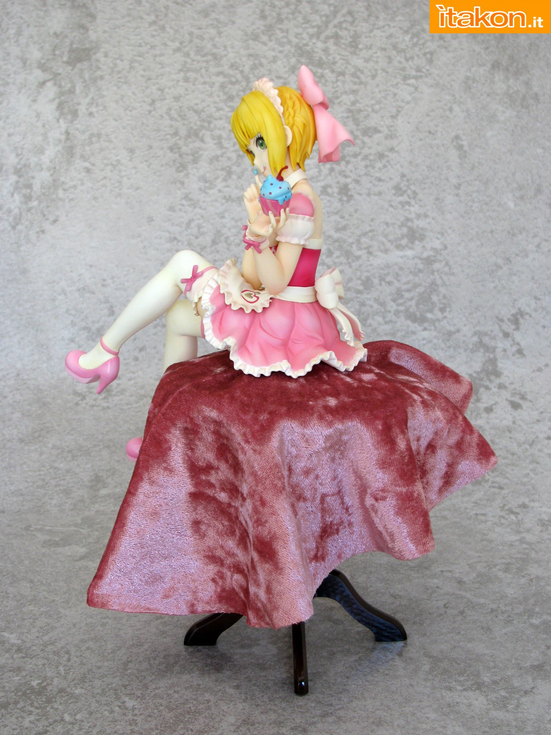 Link a 006 Frederica Miyamoto Little Devil Maid Phat recensione