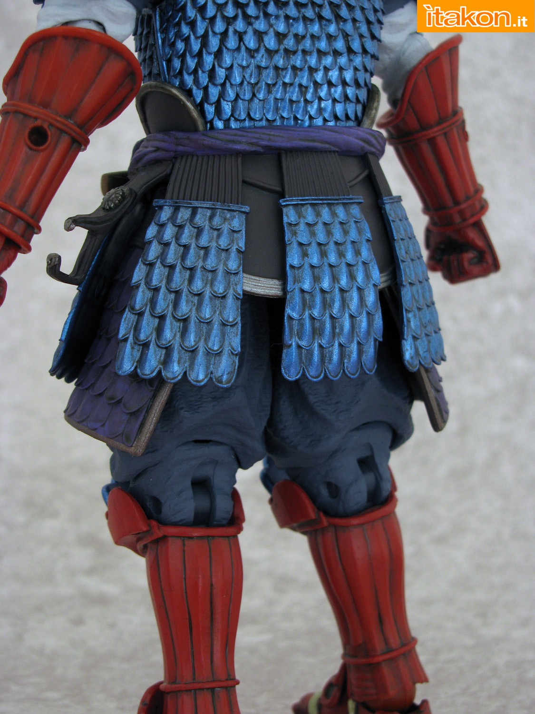 Link a 021 Samurai Captain America Manga Realization Bandai recensione