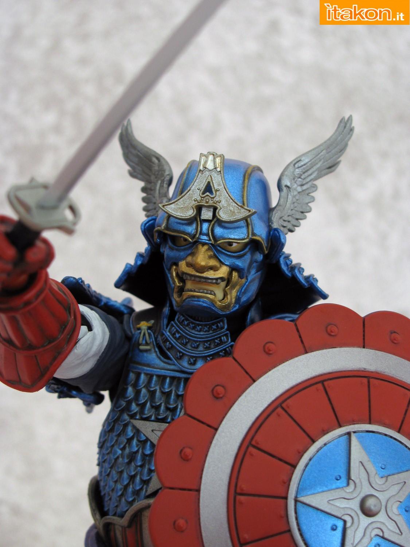 Link a 037 Samurai Captain America Manga Realization Bandai recensione