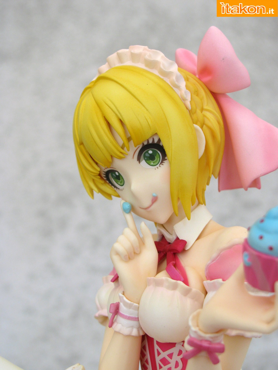 Link a 039 Frederica Miyamoto Little Devil Maid Phat recensione