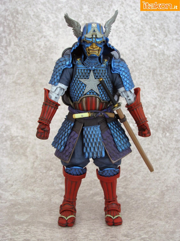 Link a 050 Samurai Captain America Manga Realization Bandai recensione