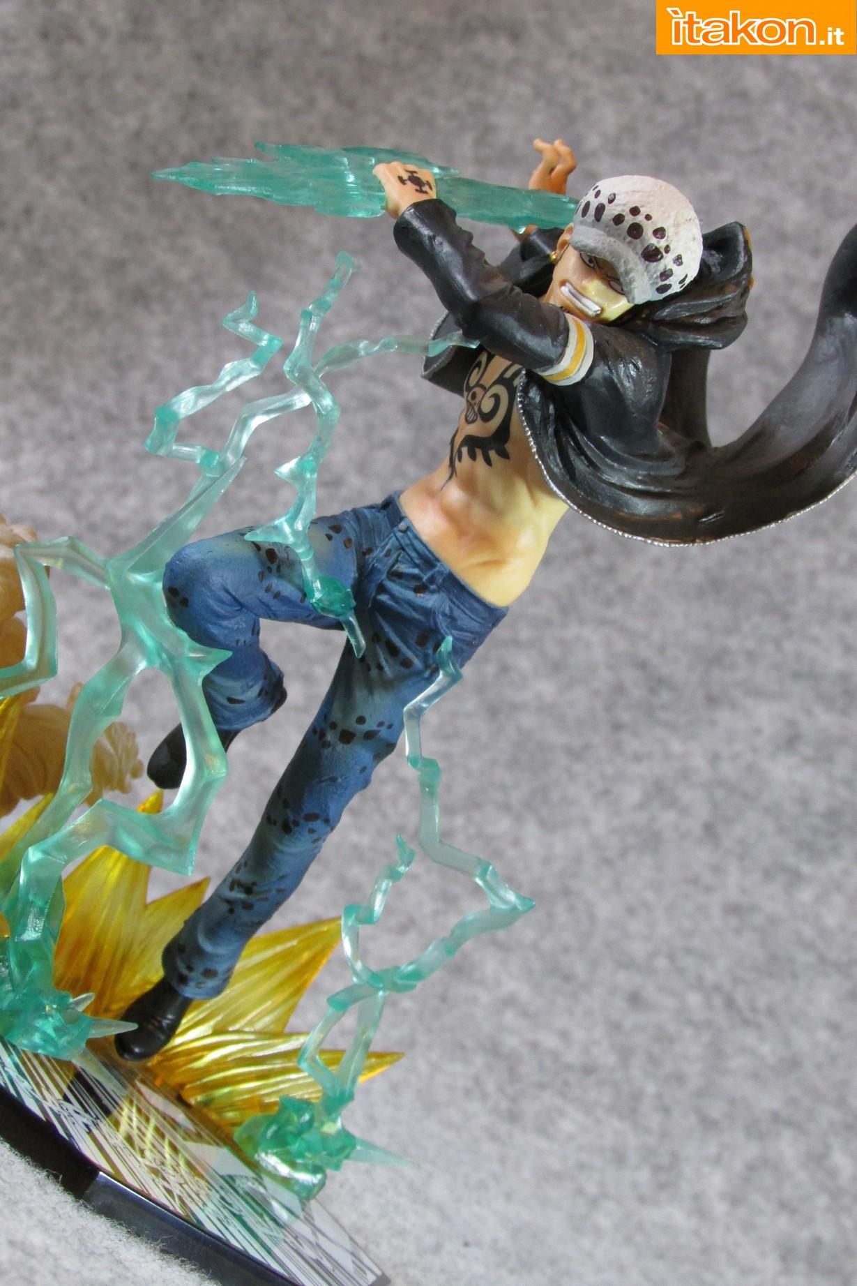 Link a One Piece Trafalgar Law Gamma Knife Figuarts ZERO Chou Gekisen Extra Battle Recensione Review Itakon.it 17