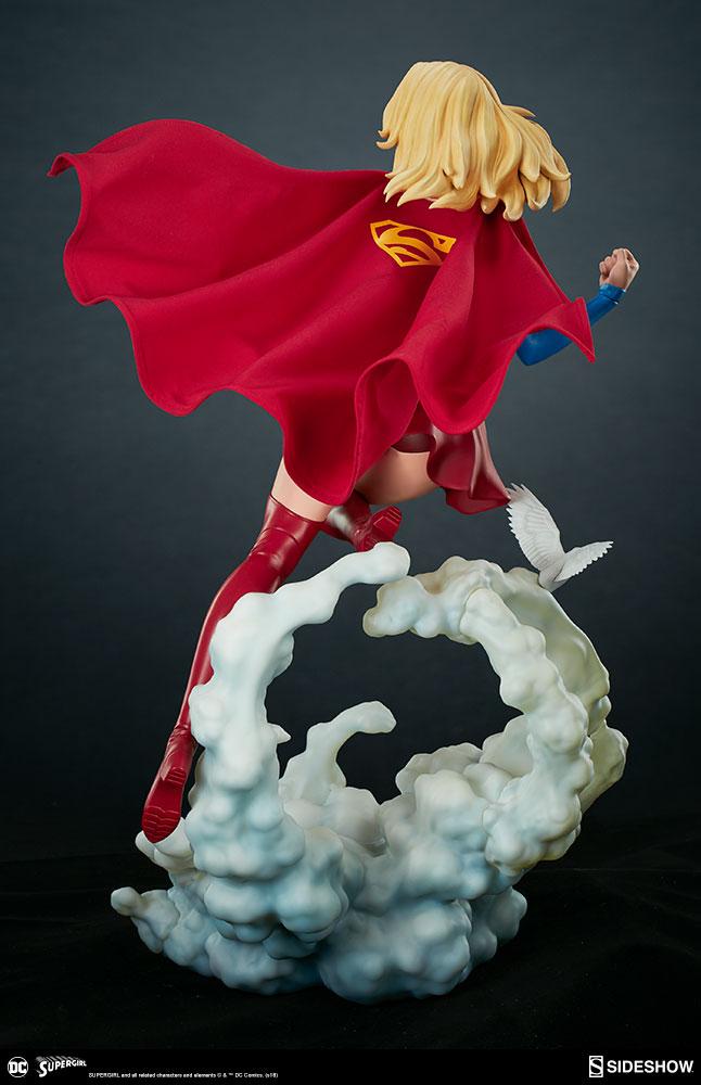 Link a dc-comics-supergirl-premium-format-figure-sideshow-300670-09